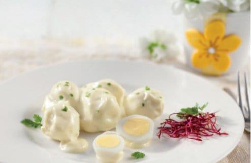 Piatto di uova di quaglia