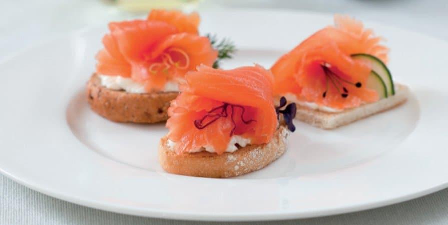 crostini salmone e cetrioli