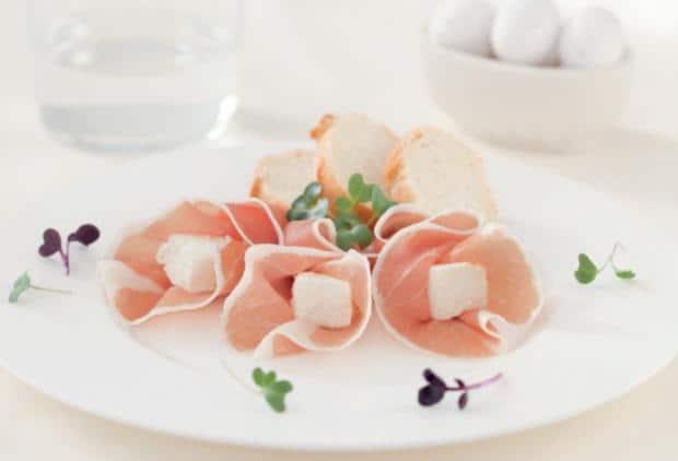 Il piatto di prosciutto e robiola
