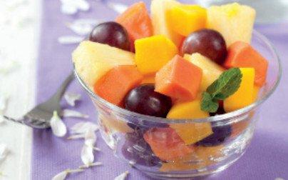 macedonia con frutti estivi