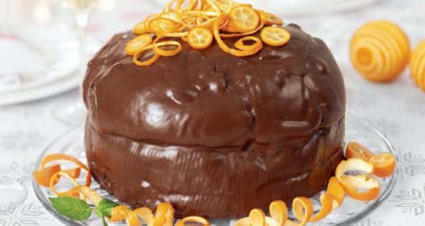 panettone farcito e ricoperto da cioccolato